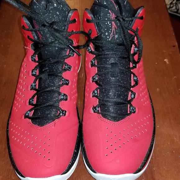 AIR Jordan MELO M11 Mens Sneakers